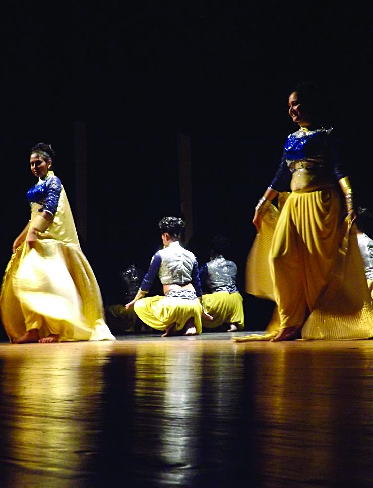 Dancers Performing 2